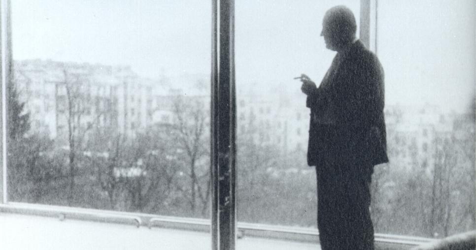 Mies en la Tugendhat. (1968)